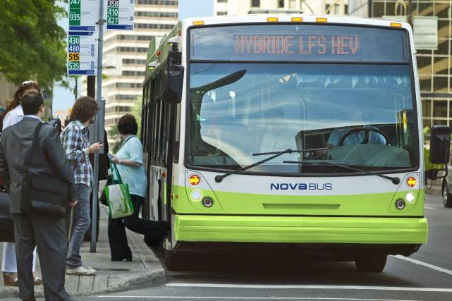 Nova Bus embauchera 28 personnes au cours d'une... (La Presse)