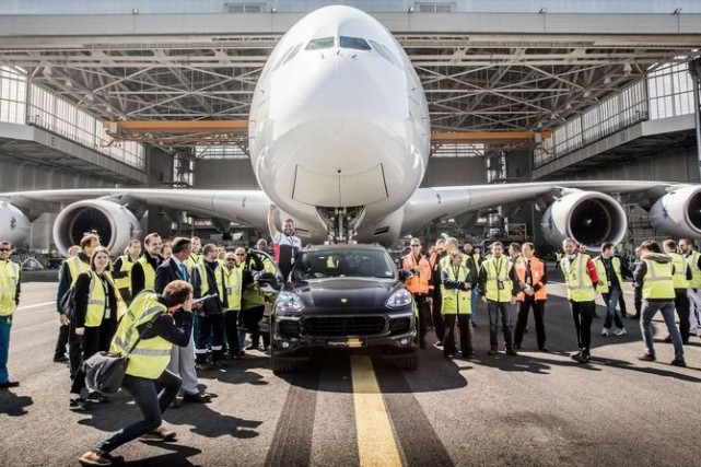 Un Porsche Cayenne établi un nouveau record mondial... (Photo fournie par Porsche)