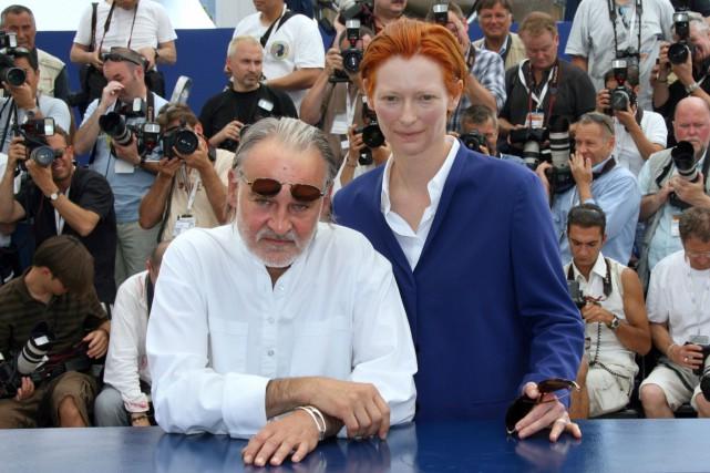 Le réalisateur hongrois Bela Tarr et l'actrice Tilda... (PHOTO ARCHIVES AFP)