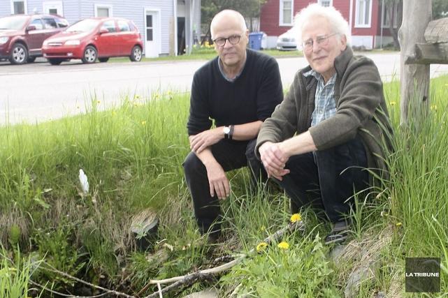 Paul St-Pierre et Michael Grayson continuent de s'opposer... (La Tribune, Jean-François Gagnon)