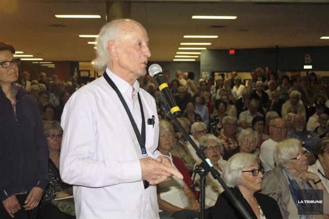 Environ 700 personnes ont participé à une soirée... (La Tribune, Jean-François Gagnon)