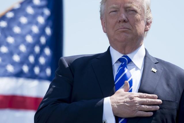 Donald Trump a participé mercredi à une cérémonie... (PHOTO AFP)