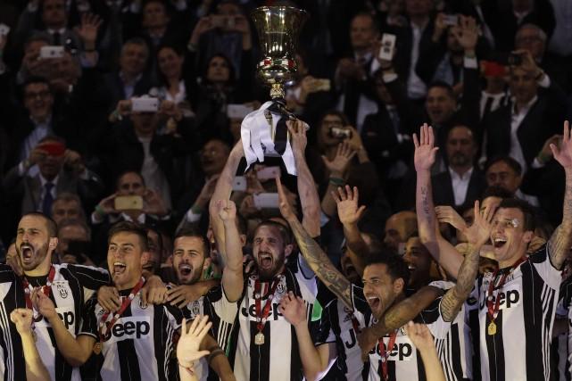 C'est la 12e fois que les bianconeri remportent... (PHOTO AP)