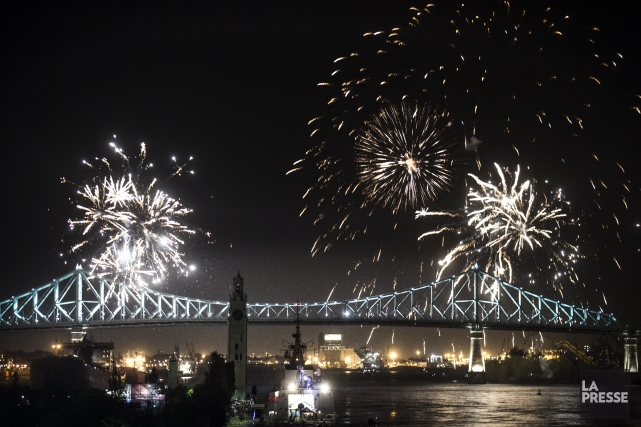 Le pont Jacques-Cartier brillait de tous ses feux... (Photo Olivier Pontbriand, archives La Presse)