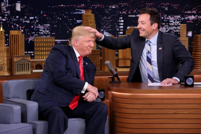 Donald Trump et Jimmy Fallon, lors de l'enregistrement... (PHOTO FOURNIE PAR NBCUNIVERSAL, ARCHIVES REUTERS)