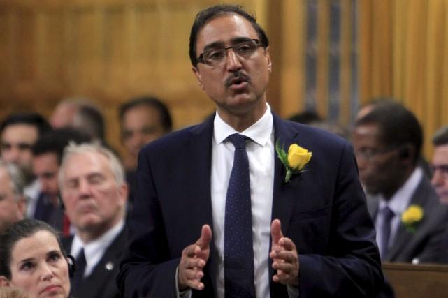 Le ministre fédéral de l'Infrastructure et des Collectivités,... (La Presse canadienne, Fred Chartrand)