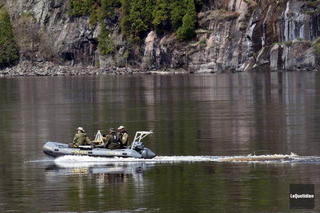 Les plongeurs de la Sûreté du Québec ont... (Le quotidien, Rocket Lavoie)