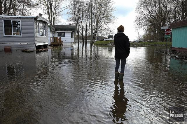 Inondations à l'île Bizard.... (Robert Skinner, La Presse)