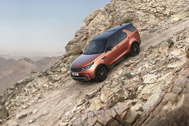 Land Rover Discovery... (Photo fournie par le fabricant)