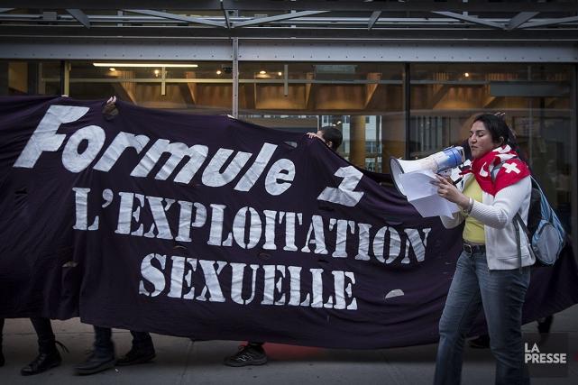 Sur cette photo de 2013, des personnes manifestaient... (OLIVIER PONTBRIAND, ARCHIVES LA PRESSE)