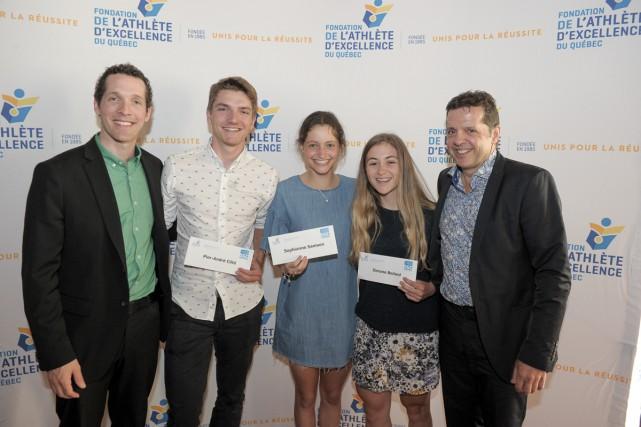 Les athlètes-étudiants de Québec Pier-André Côté (cyclisme), Sophianne... (Photo courtoisie NH Photographes)