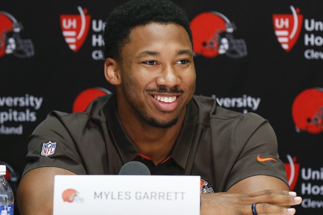 Myles Garrett... (Photo Ron Schwane, AP)