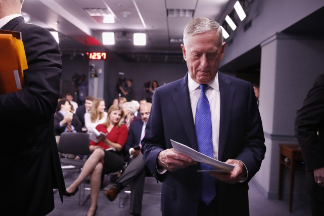Le secrétaire américain à la Défense, James Mattis,... (PHOTO AP)
