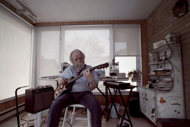 Le compositeur Jean-Pierre Bouchard recevait, plus tôt cette... (Photo courtoisie Télé-Québec Saguenay-Lac-St-Jean)