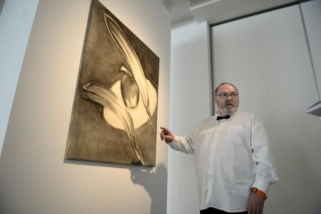 Marcial Grenon expose au CNE... (Photo Le Progrès, Jeannot Lévesque)