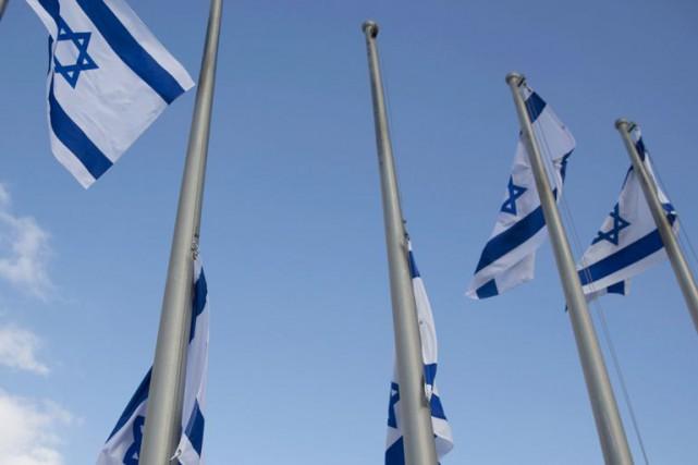 Pour bien des gens d'affaires québécois, le seul... (Photo Ariel Schalit, archives AP)