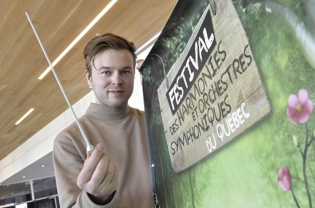 Hugues Theriault, chef d'orchestre de l'Orchestre à vents... (Spectre Média, Maxime Picard)