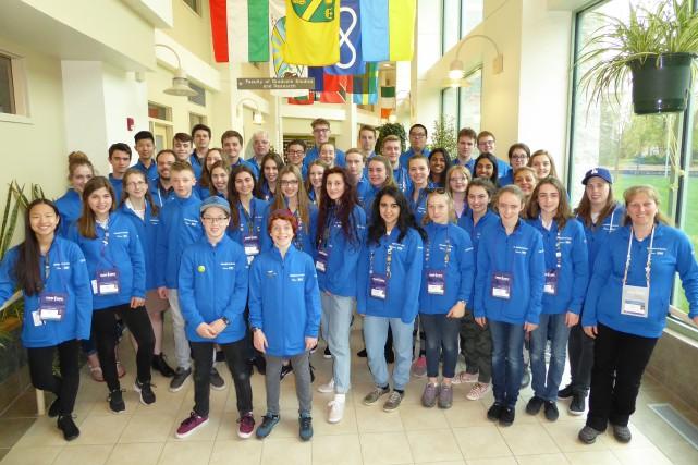 Une quarantaine de jeunes composaient la délégation québécoise... (Photo courtoisie)