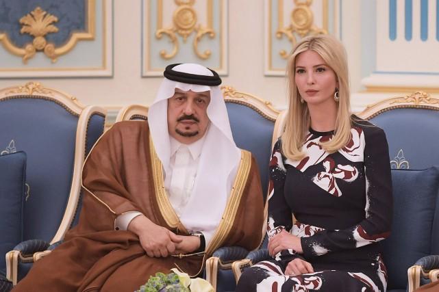Le roi Salman d'Arabie saoudite et Ivanka Trump.... (Photo Mandel Ngan, Agence France-Presse)