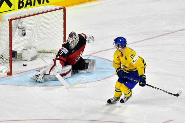 Nicklas Backstrom déjoue Calvin Pickard en tirs de... (Photo Martin Meissner, ASSOCIATED PRESS)