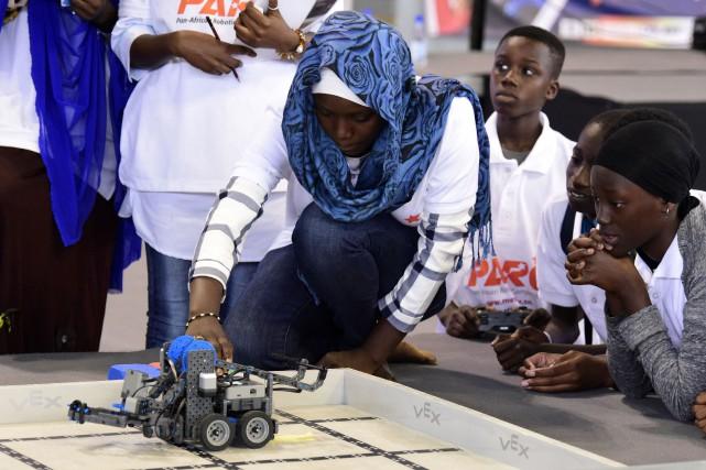 Une participante au concours.... (Photo SEYLLOU, Agence France-Presse)