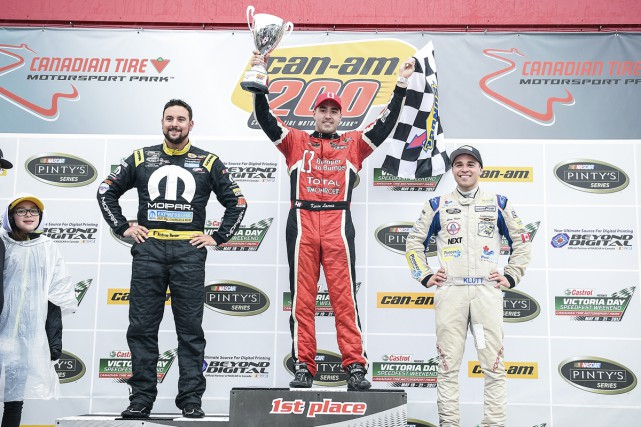 Le podium au Canadian Tire Motorsport Park : le... (Matthew Manor, NASCAR)