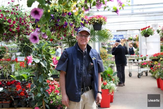Alain Lussier, du Centre de jardinage de Granby,... (Julie Catudal, La Voix de l'Est)