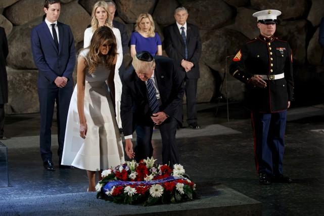 Lors d'une visite au monument Yad Vashem, à... (AP, Evan Vucci)