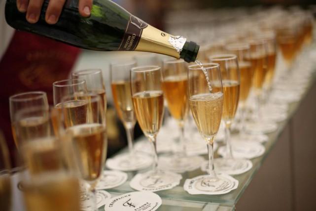 Cannes reste une bulle (de champagne) à l'écart... (PHOTO LOIC VENANCE, ARCHIVES AGENCE FRANCE-PRESSE)