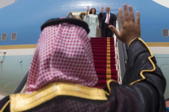 Reçu en grande pompe à Riyad, où les... (AFP)