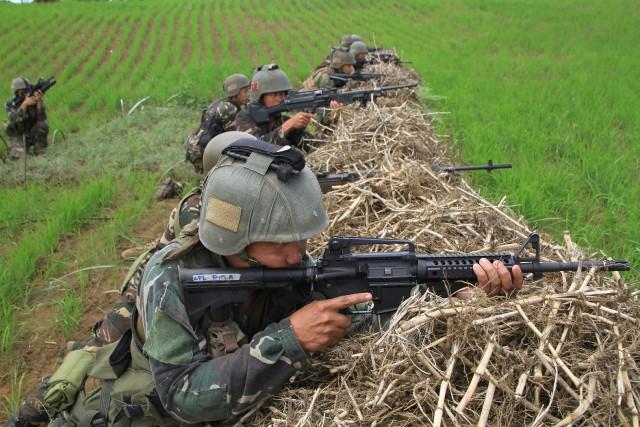 Des accrochages se sont produits mardi à Mindanao... (PHOTO AFP)