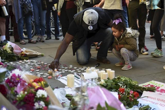 L'heure est au recueillement à Manchester à la... (AFP)