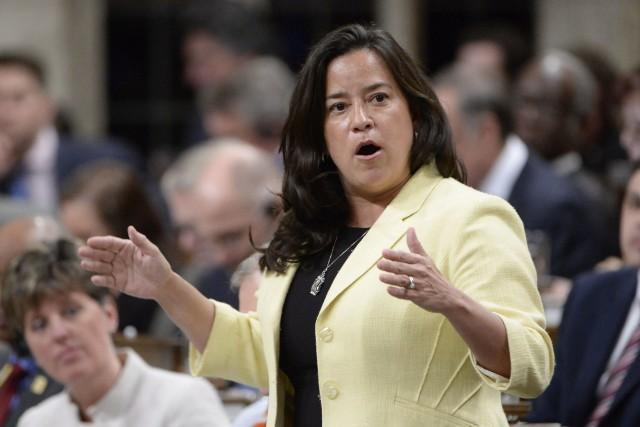 La ministre fédérale de la Justice, Jody Wilson-Raybould,... (Archives, La Presse canadienne)