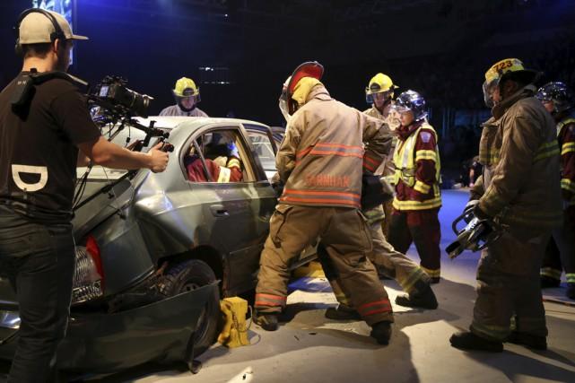 Pompiers, policiers et paramédicaux ont participé à une... (Janick Marois)