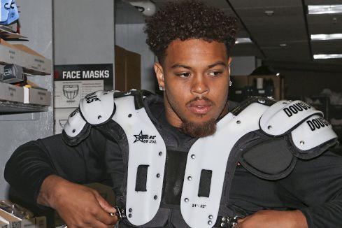 Greg Townsend Junior tentera de faire honneur à... (Courtoisie, Raiders d'Oakland)