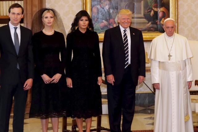 Cette photo de la rencontre entre le pape... (AFP, Alessandra Tarantino)