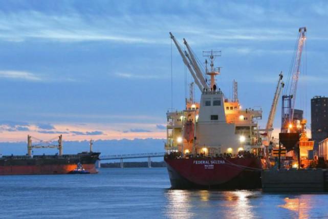 De nombreux investissements sont réalisés au port de... (Photo tirée de Facebook)
