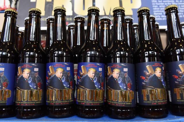 Si aux États-Unis Donald Trump est président, en Ukraine, c'est le nom d'une... (PHOTO AFP)