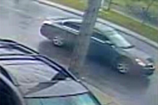 Le véhicule suspect recherché est une Nissan, modèle... (Fournie par la police)