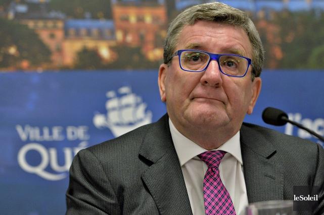Régis Labeaume a écrit mardi à la ministre... (Le Soleil, Patrice Laroche)