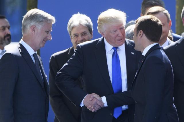 Le président américain Donald Trump a semblé tester... (AFP, Christophe Licoppe)