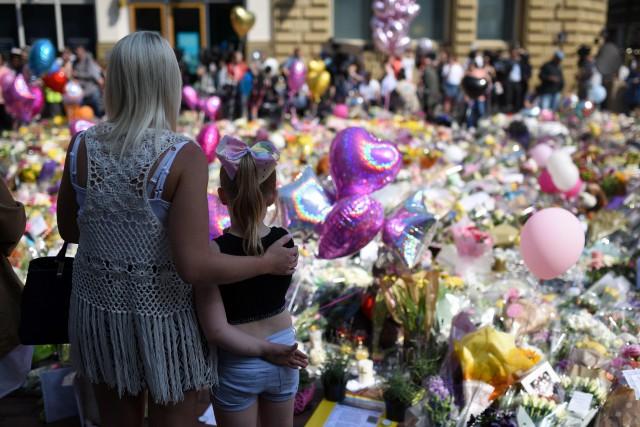 Des milliers de personnes se sont rassembléesPlace St... (PHOTO AFP)