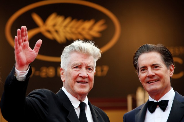 David Lynch salue la foule sur le tapis... (PHOTO REUTERS)