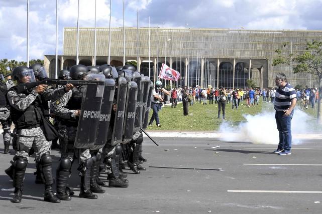 Mercredi, le président Michel Temer avait ordonné le... (AFP, Evaristo Sa)