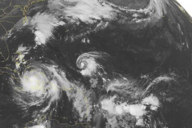 Parmi les facteurs de l'intensification de cette saison... (PHOTO ARCHIVES AP/NOAA)