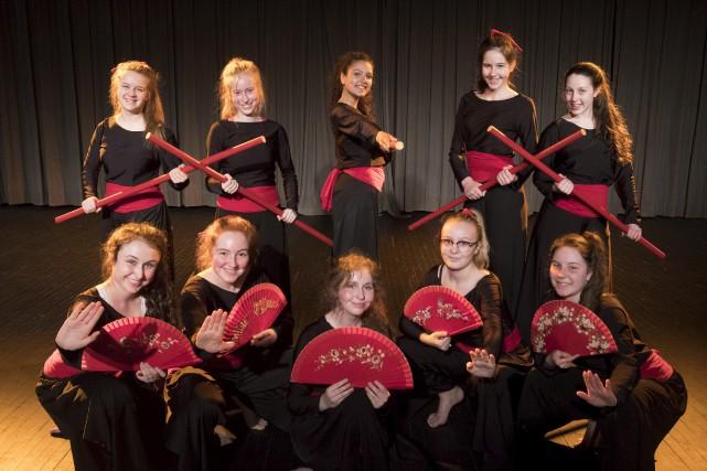 10 danseuses du Séminaire Saint-Joseph... (Stéphane Lessard)