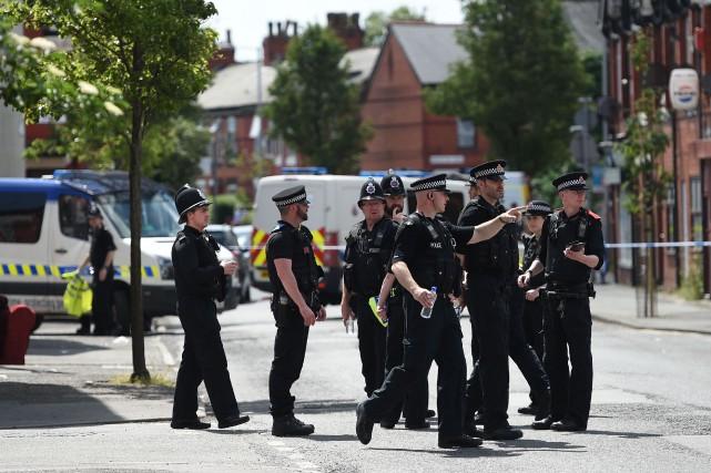 Le niveau d'alerte terroriste au Royaume-Uni a été abaissé de «critique» à... (Photo Oli SCARFF, Agence France-Presse)