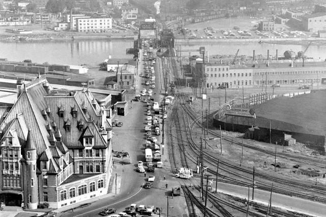 1956... (Archives de la Ville de Québec, N000199)