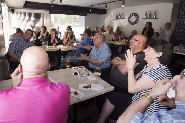 Réunis dans un restaurant de Saint-Georges de Beauce,... (La Presse canadienne, Jacques Boissinot)