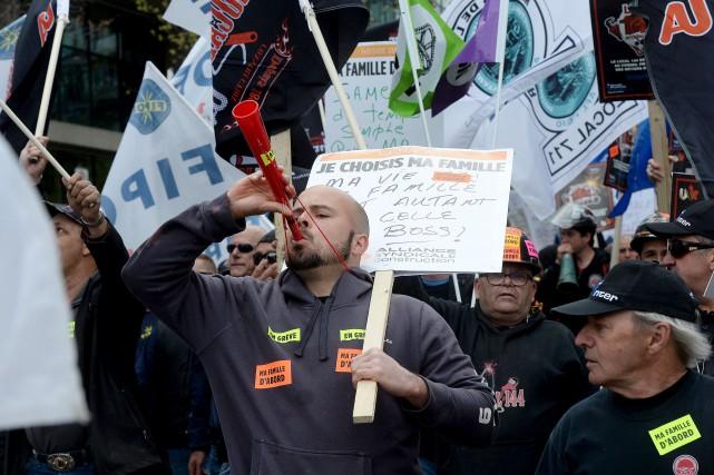 Beaucoup de manifestants ont critiqué les conditions de... (Le Soleil, Erick Labbé)